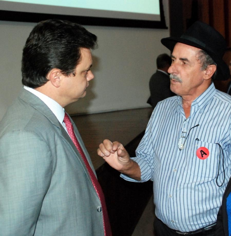 Prefeito José Gomes solicitou ao Secretário Estadual de Governo ativação comercial do aeroporto de Santo Amaro (Manhuaçu).