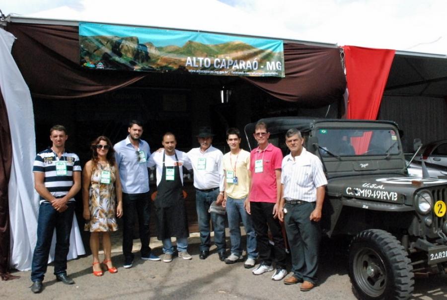 Prefeito participa do 19º Simpósio sobre cafeicultura de montanhas em Manhuaçu.