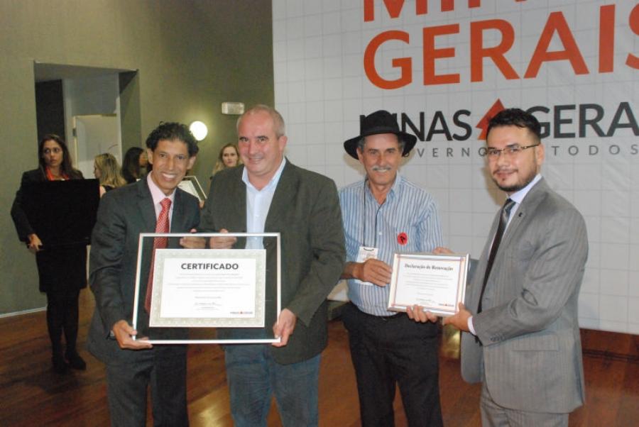 Prefeito José Gomes Recebe Certificação do Circuito Turístico Pico da Bandeira.